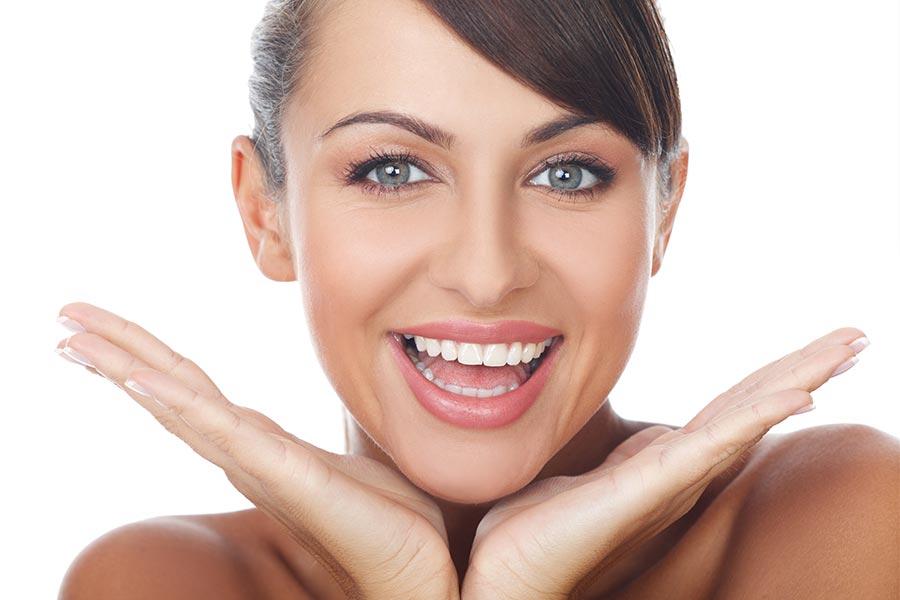 طرق علاج اصفرار الاسنان بالليزر