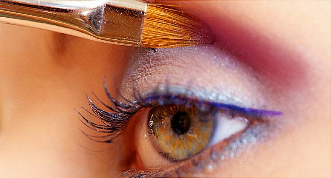 عمليات تغيير لون العين
