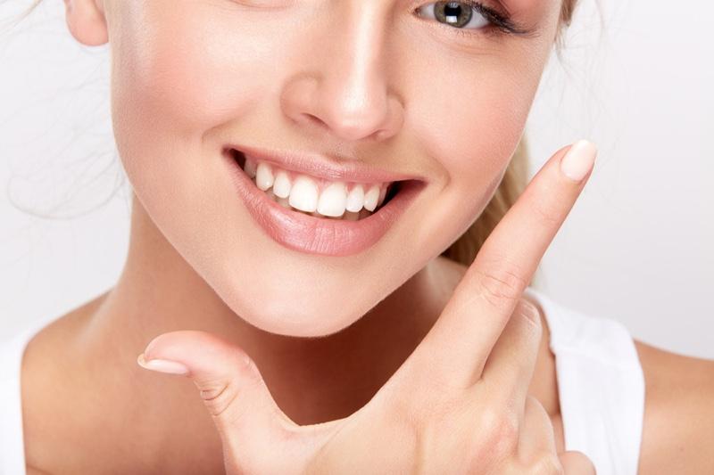 التخلص من اصفرار الأسنان